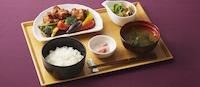 鶏唐揚げと野菜の甘酢あんかけ膳